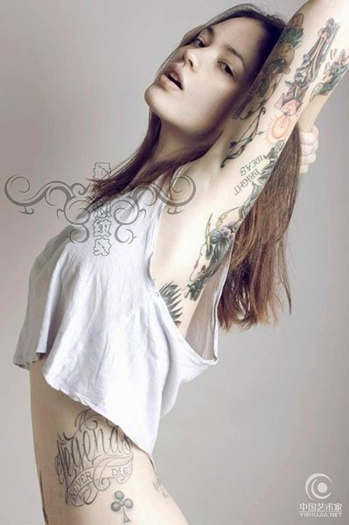 手绘女生社会纹身