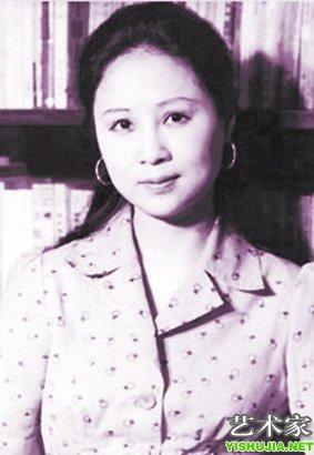 母亲险被日军掳去 琼瑶历经劫难痴心终不改